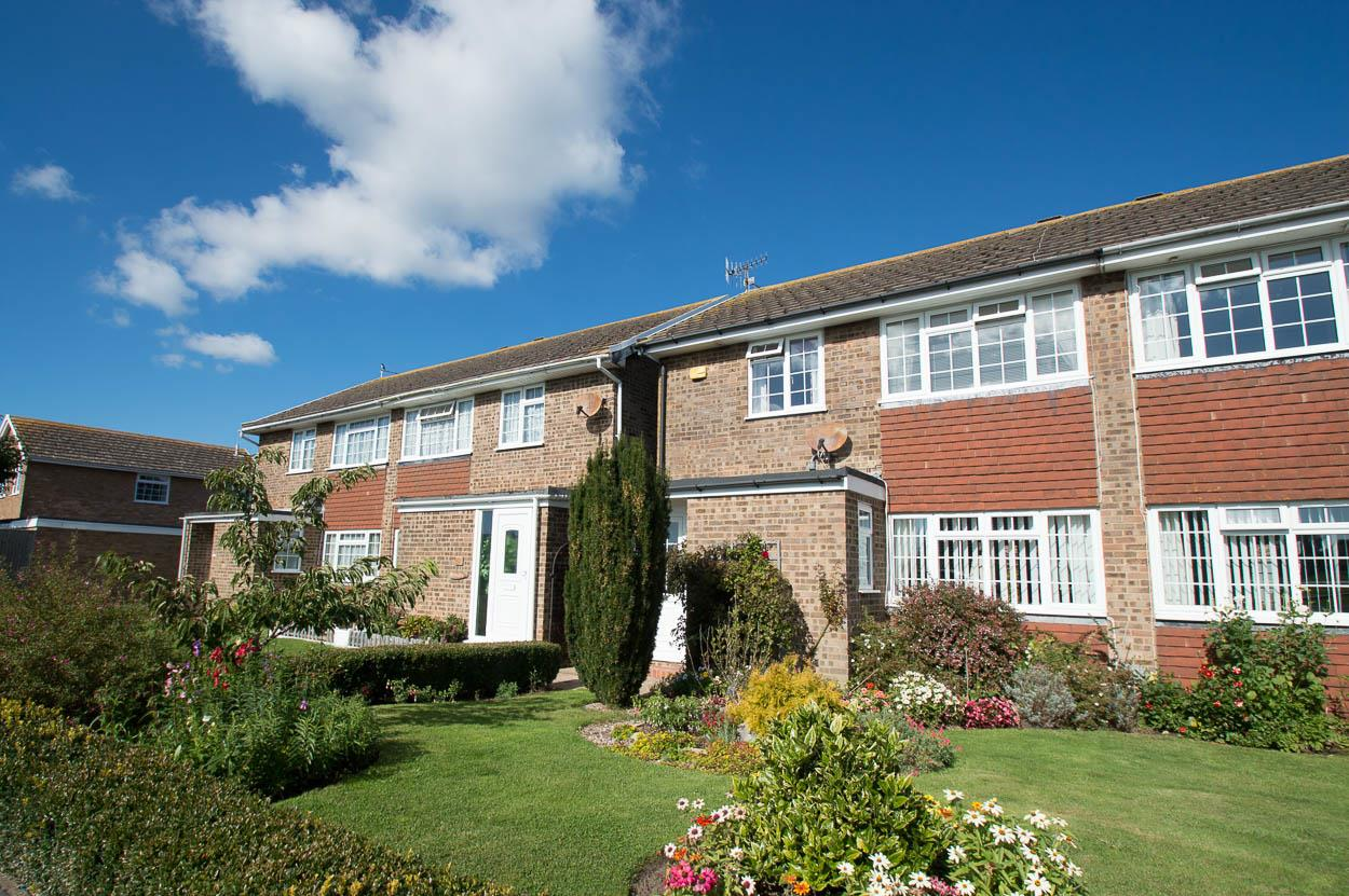 3 Bedrooms Semi Detached House for sale in The Rising, Eastbourne